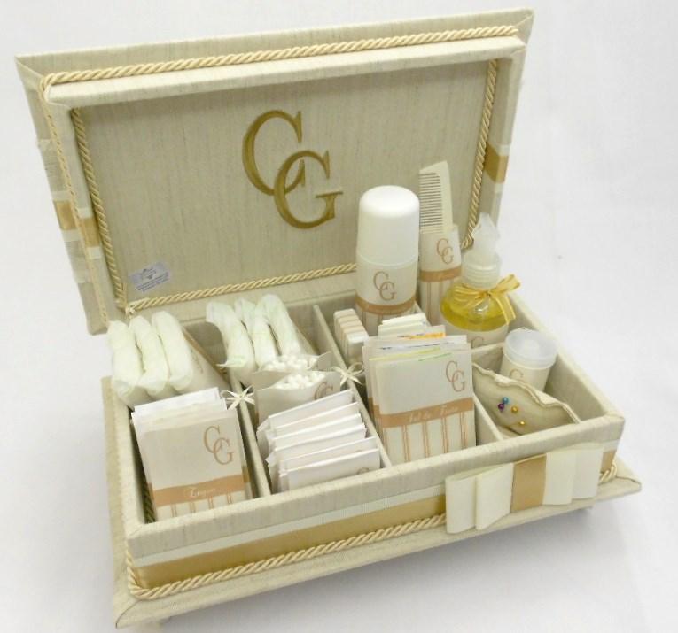 Kit Toalete Casamento Rústico : Caixa kit toalete com bordado e tecido r?stico divina